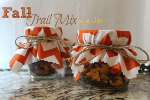 Great Gift Idea: Fall Trail Mix in a Jar