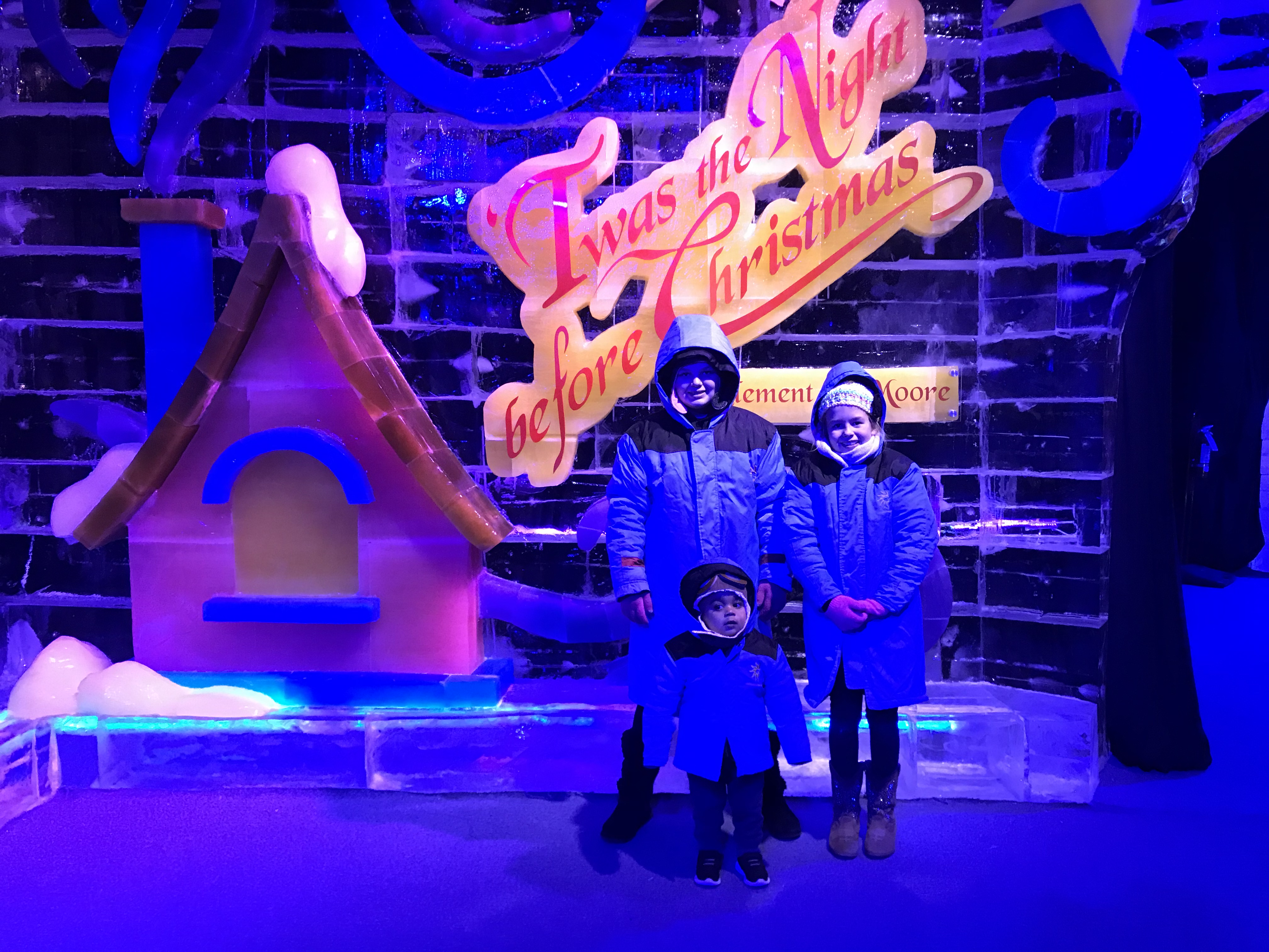 baf48615 Christmas Fun at Gaylord Texan ICE!® featuring 'Twas the Night ...